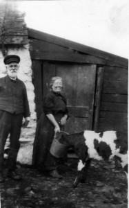 MacCorquodale, John, his wife Sarah n+®e Livingstone, Laggan.db367