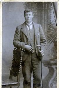 Duncan MacCormick wearing the watch chain